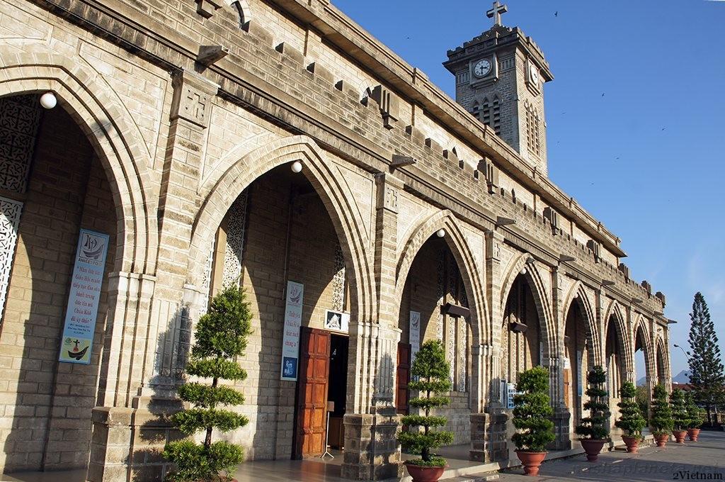 католический собор нячанг